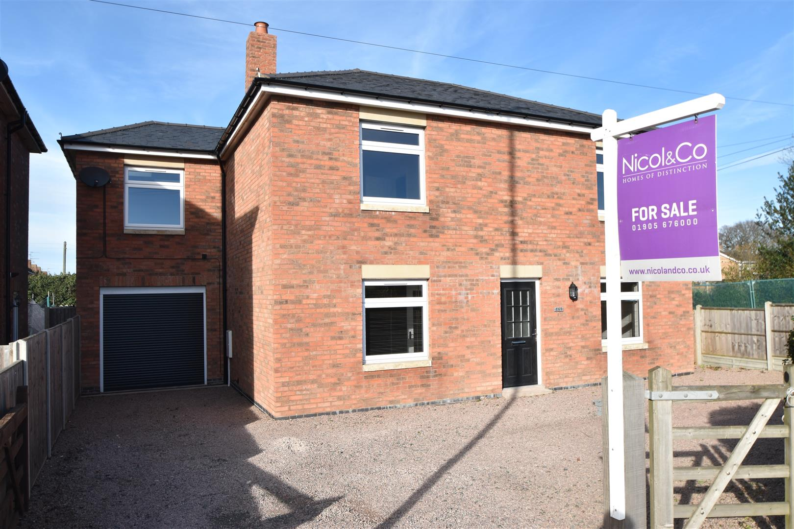 4 Bedrooms Detached House for sale in Droitwich Road, Fernhill Heath, Worcester